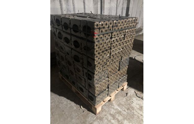 pini-kay-briquettes-manufacturer-briketai-cilindro-formos-su-skyle-1